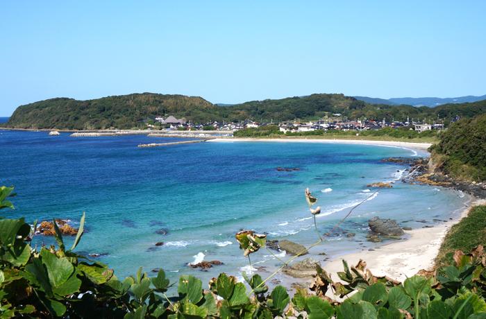角島対岸の海