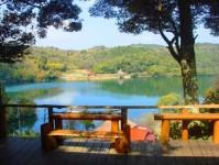 お店から見た小野湖
